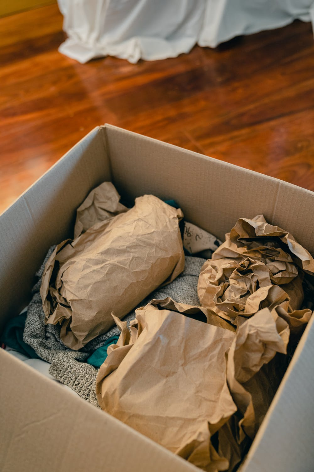 Essential Tips for Packing Fragile Items for Your Smooth Move