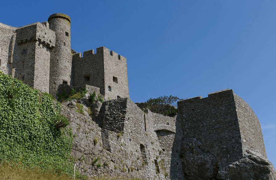 Are You a Fan of Castles